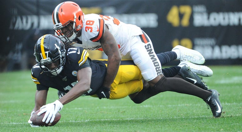 TJ Carrie Cleveland Browns