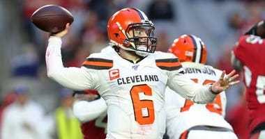 Cleveland Browns quarterback Baker Mayfield (6) against the Arizona Cardinals at State Farm Stadium.