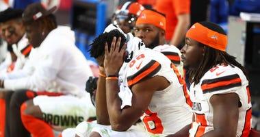Browns tight end Demetrius Harris and running back Kareem Hunt
