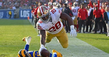 New Browns running back Carlos Hyde