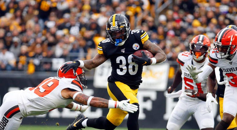 PITTSBURGH, PA - DECEMBER 01: Jaylen Samuels #38 of the Pittsburgh Steelers rushes against J.T. Hassell #49 of the Cleveland Browns in the first half on December 1, 2019 at Heinz Field in Pittsburgh, Pennsylvania. (Photo by Justin K. Aller/Getty Images)