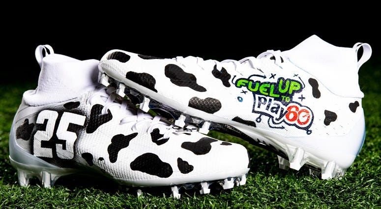 Dontrell Hilliard Fuel Up to Play 60; Gun violence prevention cleats