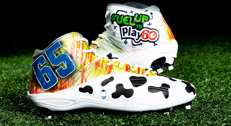 Larry Ogunjobi Fuel Up to Play 60; Youth health and wellness cleats