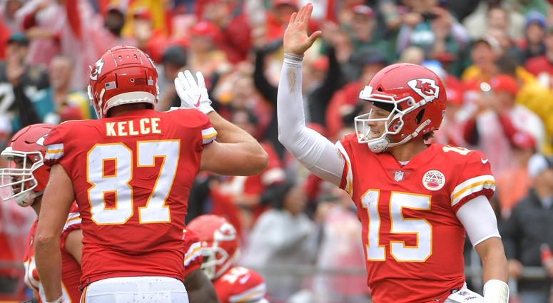 Pat Mahomes, Travis Kelce Kansas City Chiefs touchdown
