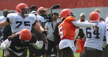 Browns left guard Joel Bitonio (75) could be moved to left tackle