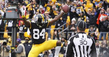 Oct 28, 2018; Pittsburgh, PA, USA; Pittsburgh Steelers wide receiver Antonio Brown (84) reacts after scoring his second touchdown of the game against the Cleveland Browns during the second quarter at Heinz Field. Mandatory Credit: Charles LeClaire-USA TOD
