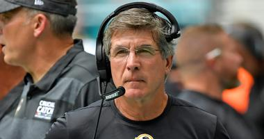 Washington Redskins interim head coach Bill Callahan reacts during the first half against the Miami Dolphins at Hard Rock Stadium.