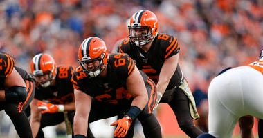 Browns center J.C. Tretter and quarterback Baker Mayfield