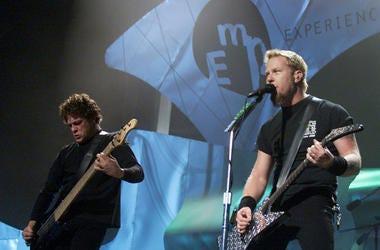 Metallica performed live at Memorial Stadium in Seattle in 2000