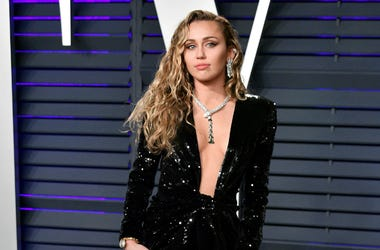 Miley Cyrus attends the 2019 Vanity Fair Oscar Party