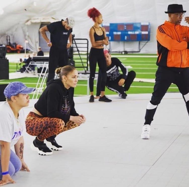 JLo practicando con Swing Latino