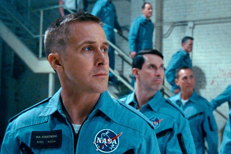 """En esta imagen difundida por Universal Pictures, Ryan Gosling en una escena de """"First Man""""."""