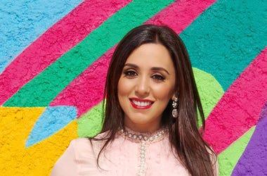 """En esta foatografía del 6 de junio de 2018, facilitada por Netflix, se ve a Hanna Jaf, filántropa mexicana y activista de derechos humanos, que participará en el elenco del programa de realidad """"Made in México"""" de Netflix, que trata sobre el estilo de vid"""
