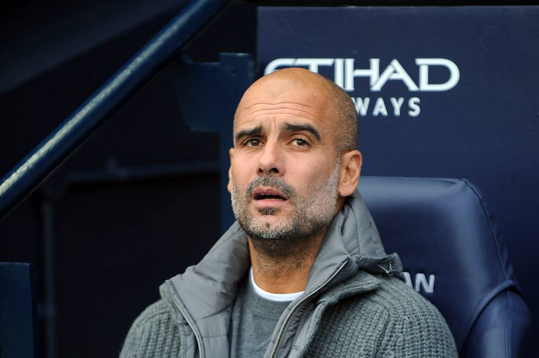 El técnico del Manchester City Josep Guardiola durante un partido de la Liga Premier inglesa ante Southampton en Manchester, Inglaterra, el domingo 4 de noviembre de 2018.