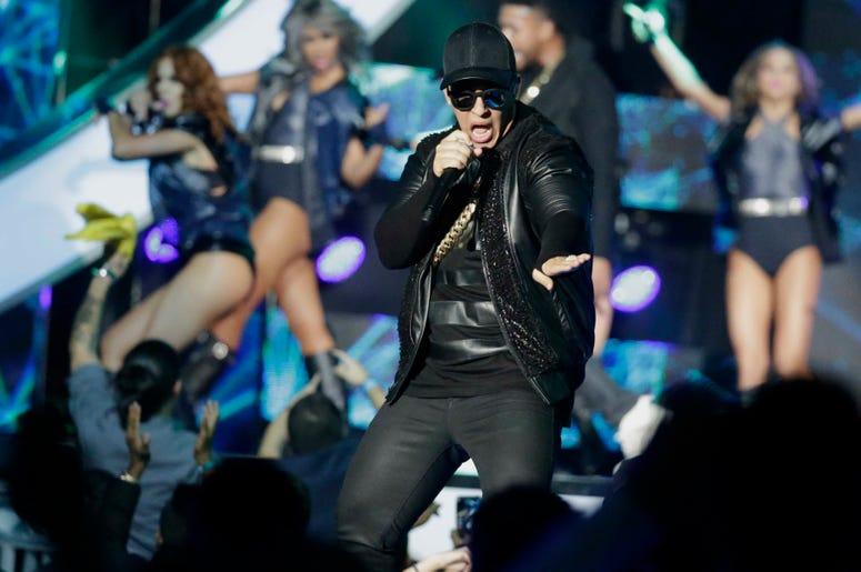 """Daddy Yankee será el primero que cante en español en el programa nocturno de tertulia """"The Late Late Show with James Corden"""" de CBS el miércoles 20 de marzo del 2019."""