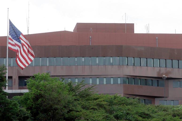Esta foto de archivo del 12 de septiembre de 2008 muestra la embajada de Estados Unidos en Caracas, Venezuela.