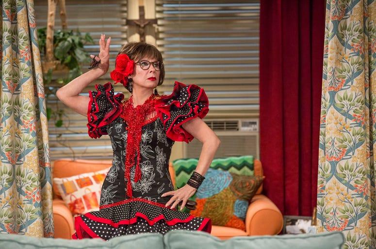 """Rita Moreno en  """"One Day At A Time"""". La serie, una versión latina del programa homónimo de los años 70 y 80 de Norman Lear, se centra en una familia cubana-estadounidense. Cancelada por Netflix, volverá en 2020 para una cuarta temporada en Pop TV."""