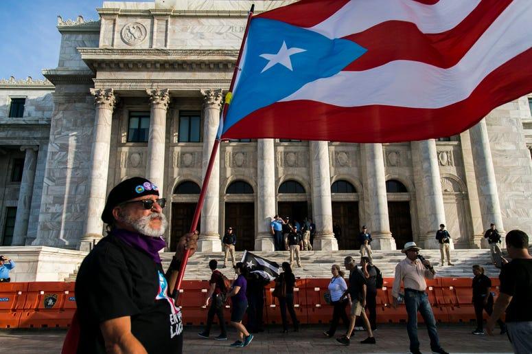La escena frente al Capitolio en San Juan, Puerto Rico, el 5 de agosto del 2019.
