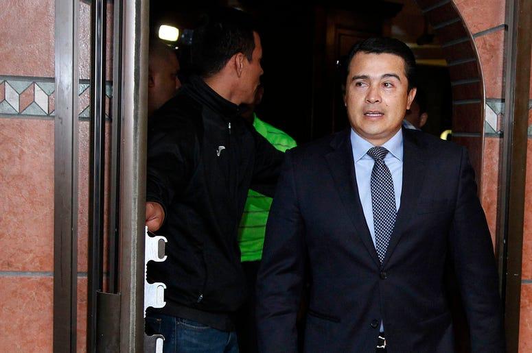 """En esta foto de archivo del 16 de marzo de 2017, Juan Antonio """"Tony"""" Hernandez, hermano del presidente de Honduras, Juan Orlando Hernández, llega a una conferencia de prensa en Tegucigalpa, Honduras."""