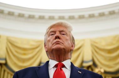 Esta foto de archivo del 24 de octubre del 2019 muestra al presidente Donald Trump durante una ceremonia en la Oficina Oval de la Casa Blanca en Washington.