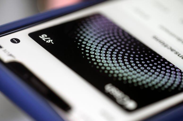 Fotografía del 8 de octubre de 2019 de una app de Apple Pay en un iPhone en Nueva York