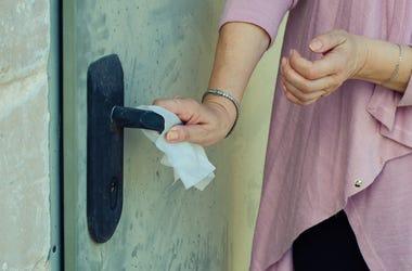 Limpieza de puerta
