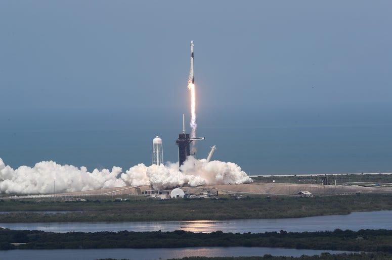 Falcon 9 despegando de la Florida. Mayo 30 2020