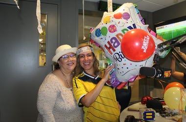 Celebrando el cumpleaños de Patricia De Lima