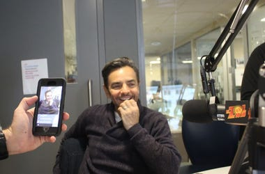 Eugenio Derbez in the El Zol 107.9 studios