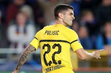 En esta fotografía del 18 de septiembre de 2018, el jugador del Borussia Dortmund, Christian Pulisic, celebra su gol durante el partido de la Liga de Campeones contra Brujas en Bélgica.
