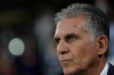 El técnico Carlos Queiroz dirige a Irán durante la semifinal de la Copa de Asia contra Japón, en Al Ain, Emiratos Árabes Unidos, el lunes 28 de enero de 2019. Queiroz fue presentado como técnico de la selección de Colombia.