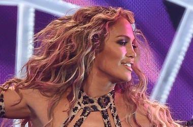 Jennifer Lopez in cheetah print