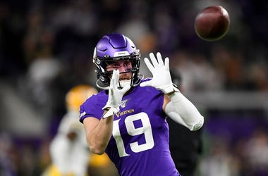 Wide receiver Adam Thielen #19 of the Minnesota Vikings warms up