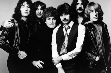 L-R: Aynsley Dunbar, Pete Sears, David Freiberg, Mickey Thomas, Craig Chaquico and Paul Kantner.