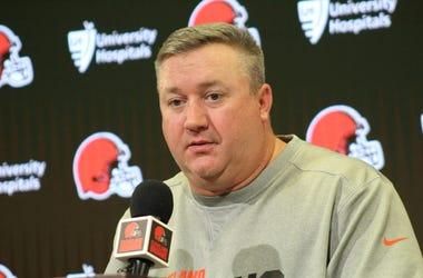 Browns offensive coordinator Alex Van Pelt