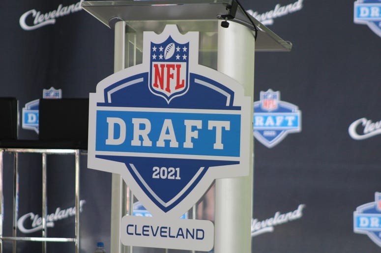 Foreign direct investment report 2021 nfl youwecan investments 101