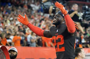 Cleveland Browns defensive back Jabrill Peppers (22) motions to the crowd during the fourth quarter against the New York Jets at FirstEnergy Stadium.