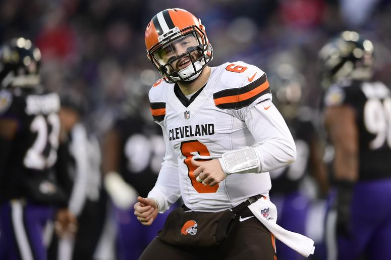 Jim Brown Nfl >> Baker Mayfield Jim Brown Star In Nfl Commercial 98 5 Wncx
