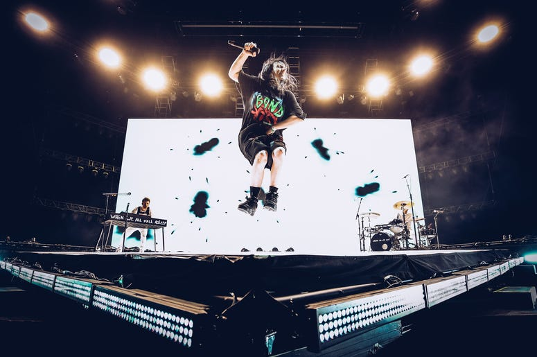 Billie Eilish Performing