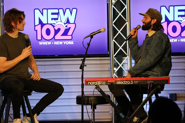 Dean Lewis Performs at NEW 102.7's 'Up Close & Personal'