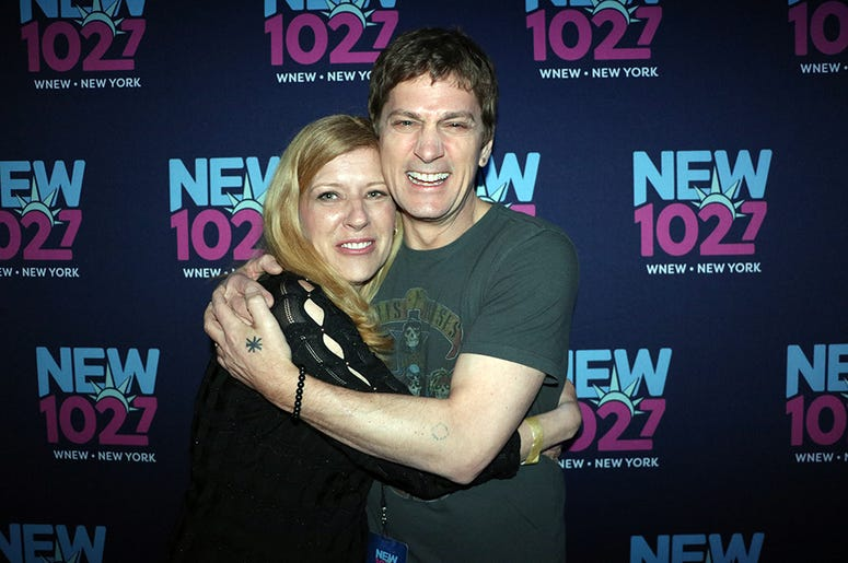 Rob Thomas Meets Fans at NEW 'Up Close & Personal'