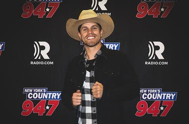 Dustin Lynch at NY's Country 94.7