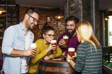 friends drinking beer