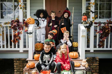 halloween house kids costumes