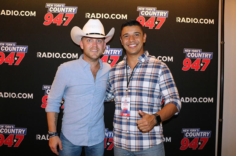 Justin Moore meets fans at NY's Country 94.7