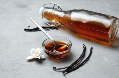 vanilla extract in a bottle