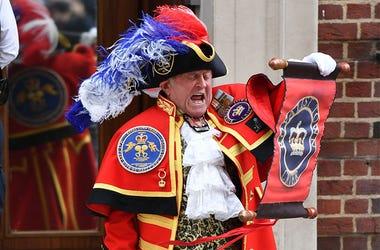 Town Crier Announces Royal Baby Boy Birth