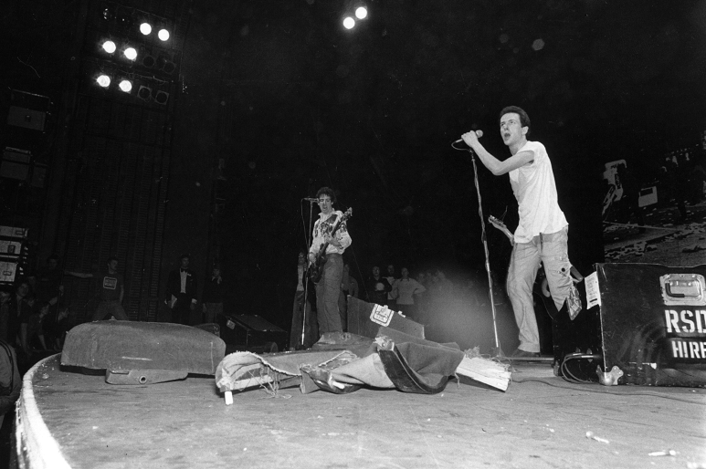14th May 1977: The Clash on stage performing at the Rainbow, London.