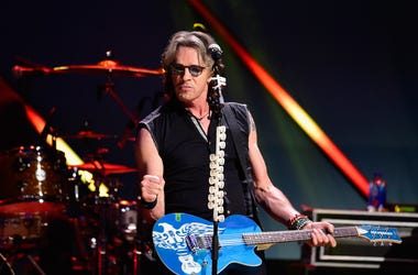 """Marilyn Russell Chats with Rick Springfield on """"The Wall Will Fall,"""" Vance DeGeneres, & Their 'Ultimate Mini-Series'"""