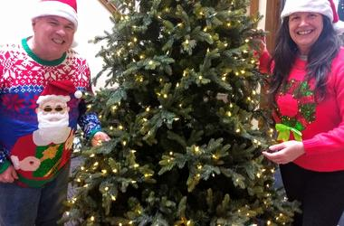 LISTEN: A Cottage Grove Man Shares a Tragic Story with Jim & Teri, Why his Parents Deserve One of Our 12 Trees of Christmas
